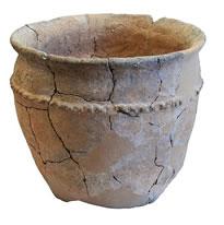 Vaso decorato con cordine a tecche in ceramica (IX-VIII sec. a.C.)